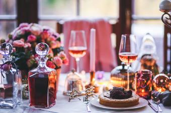Romantisk opdaekket bord