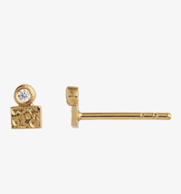 Guld ørestikker med zirkon - Stine A