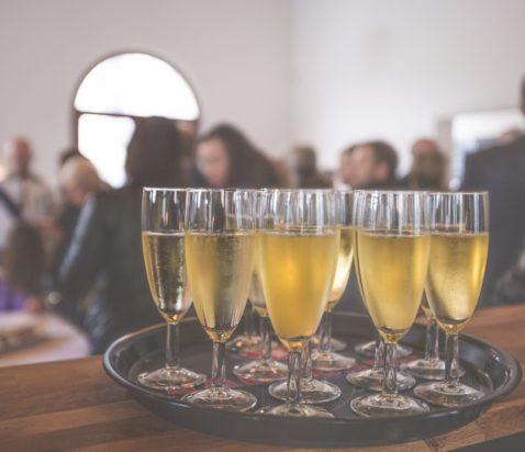 fyldte champagneglas