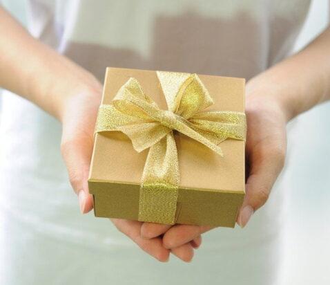 gave der gives af kvinde