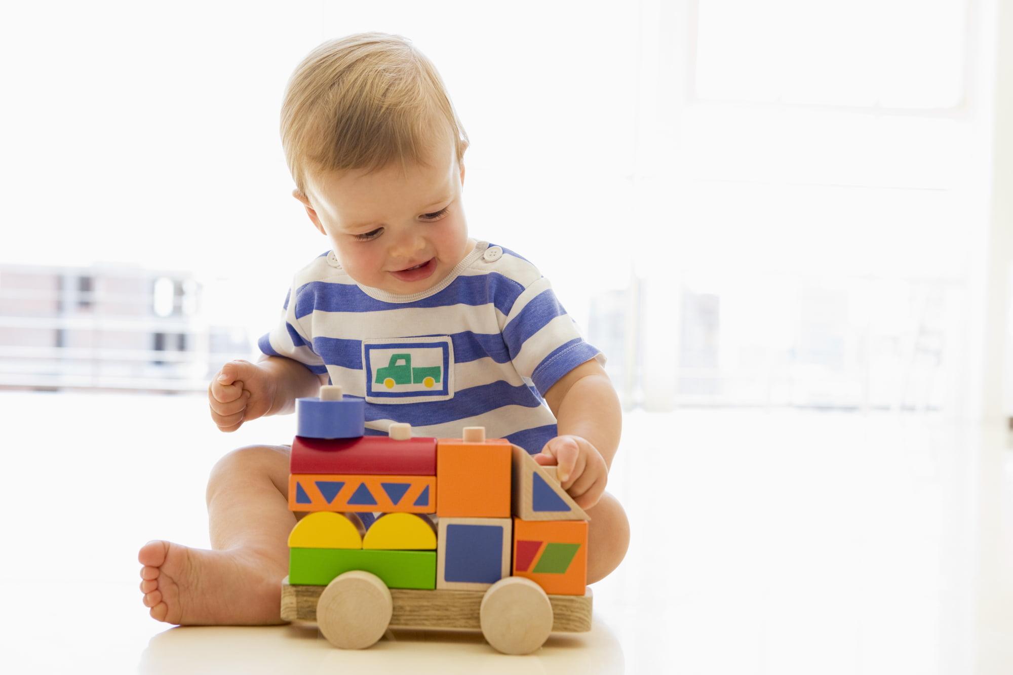 Gaver til 1 årig → 41 gaveidéer der udvikler barnet (2020)