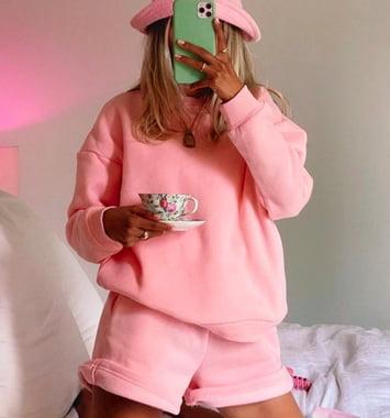pink sweatshirt saet